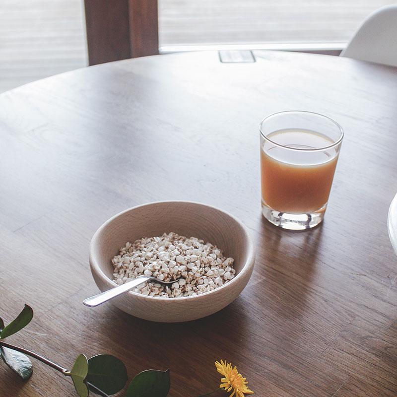 bol de madera desayuno