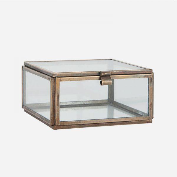 caja de cristal y metal