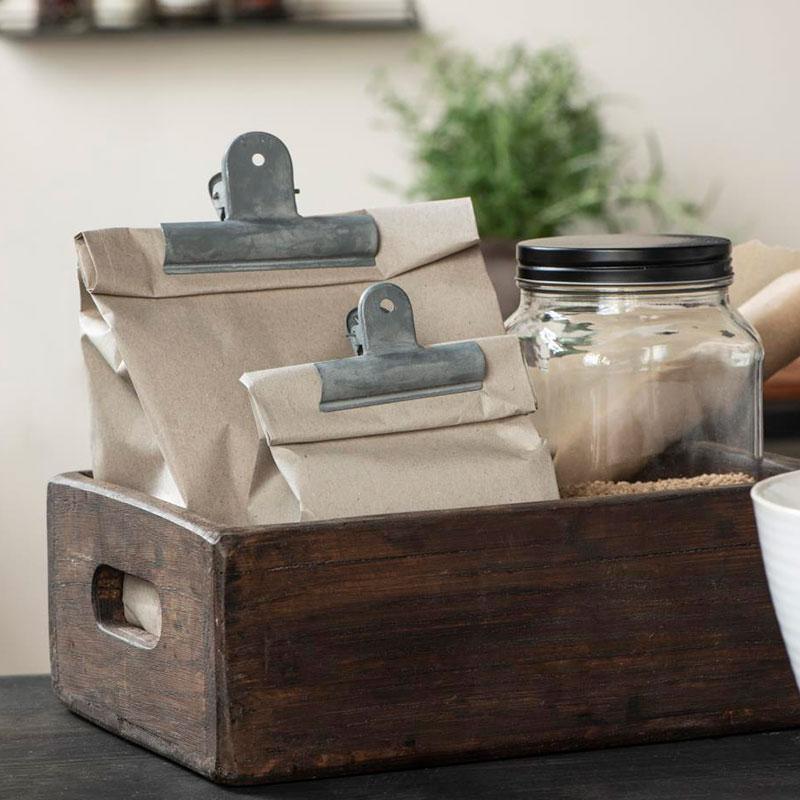 caja de madera reciclada con asas