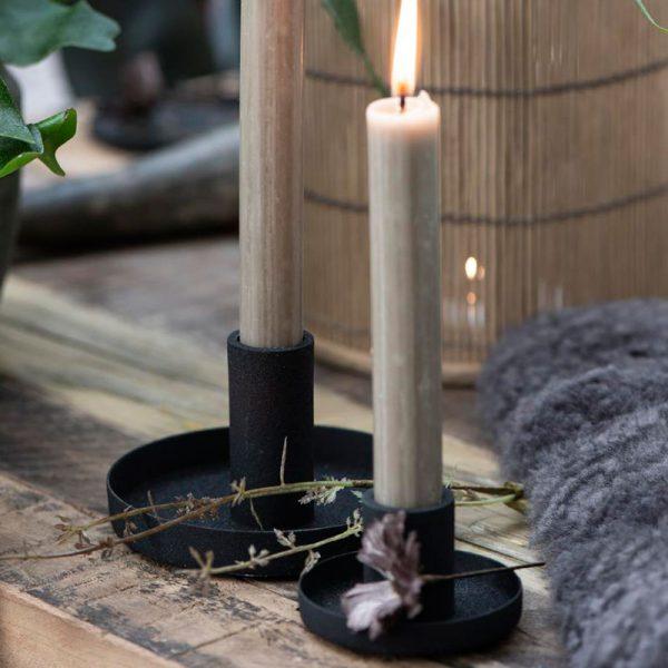 candelabro metálico negro
