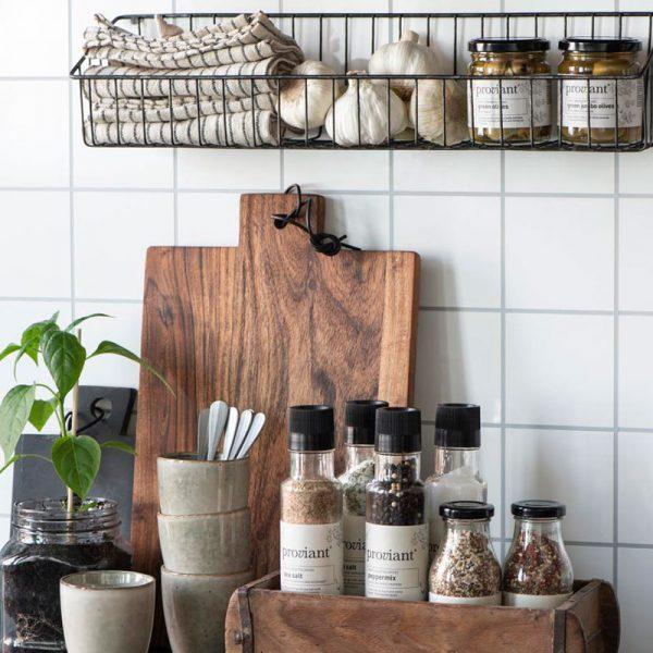 estantería metálica para cocina