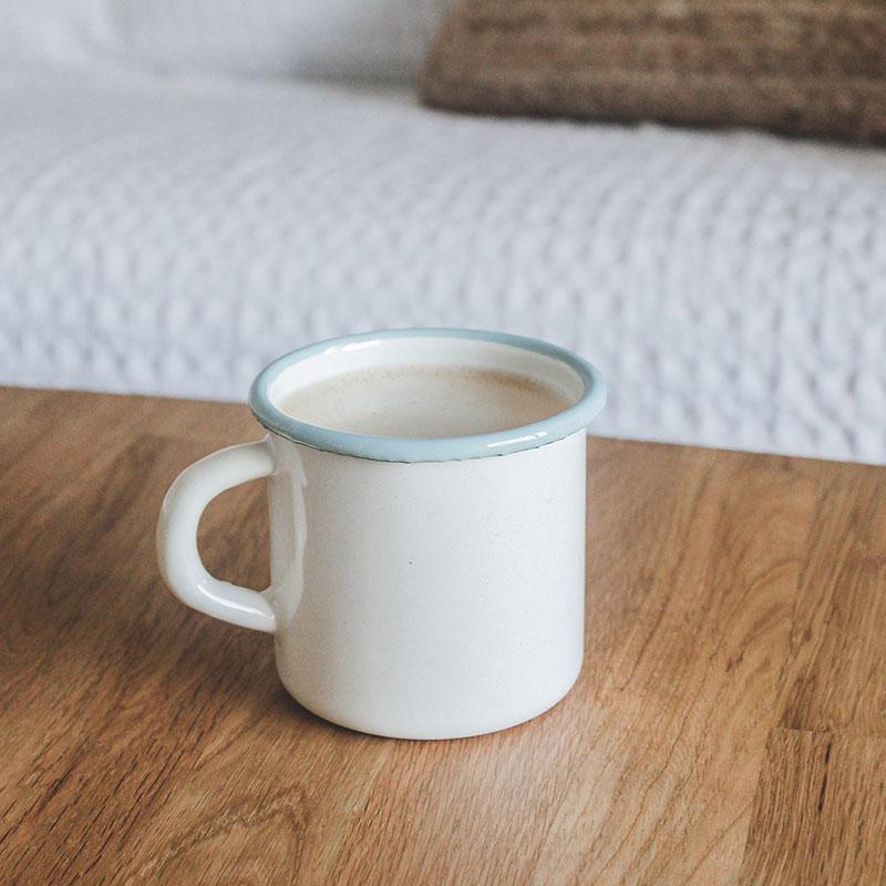 taza de acero esmaltado